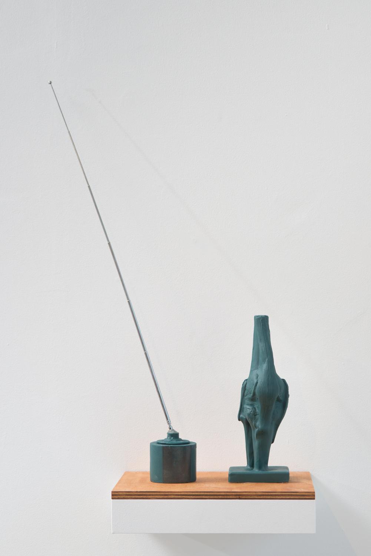 Antenna Yagi's Fracture Radio Detail