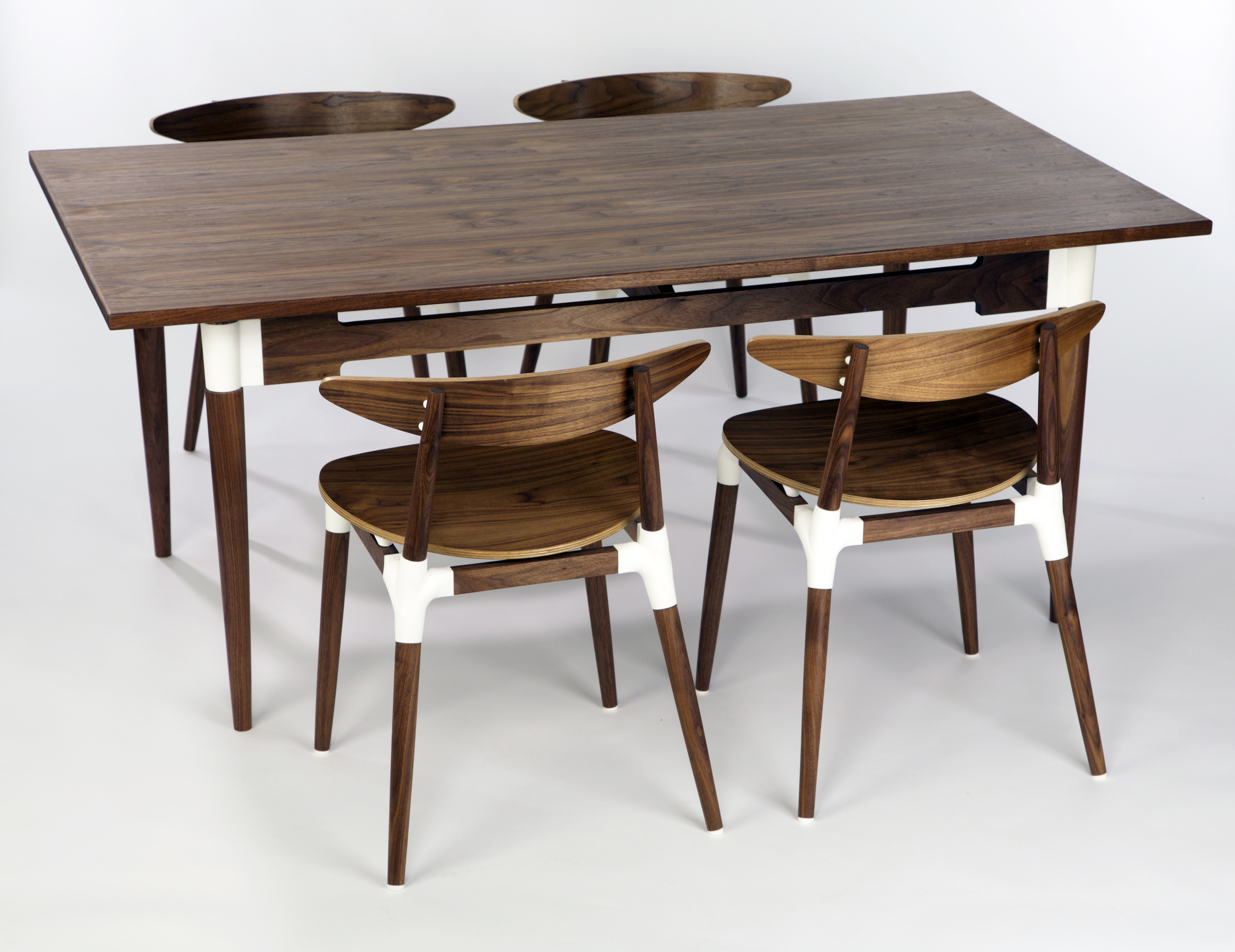 'Saul' chairs & table in natural 3D printed polyamide & walnut