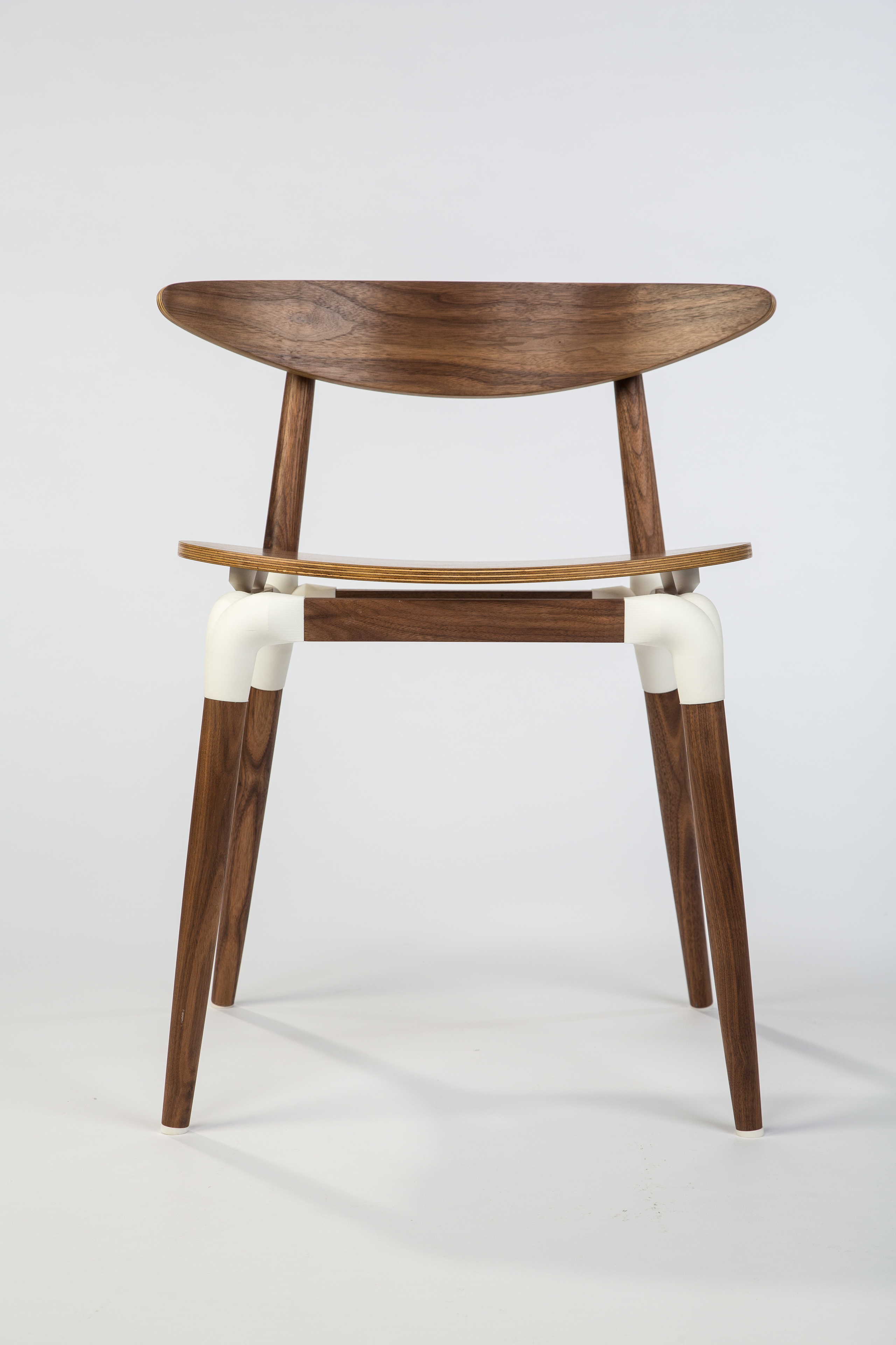 'Saul' chair in natural 3D printed polyamide & walnut