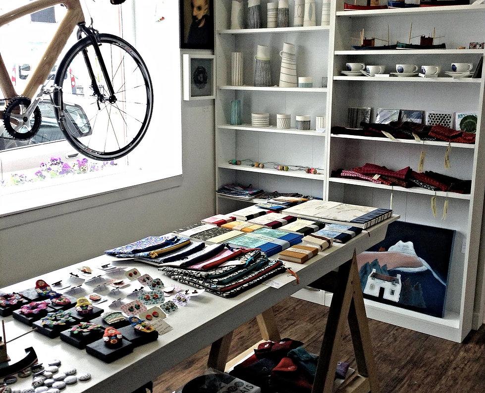 Wooden bike display/>               </div>               <div class=