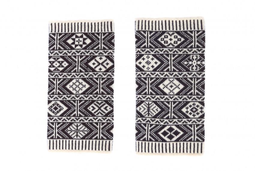 BAKKA Two Colour Heritage Wrist Warmers in Shetland Black