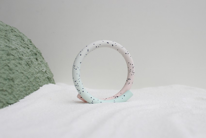 Kate Trouw Loop Bracelet fading from mint to pink