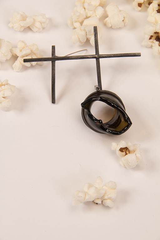 Shibuichi brooch with Black glass