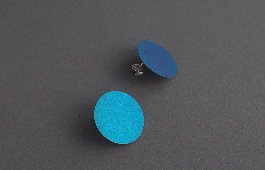 Heather Woof Niobium Blue Studs