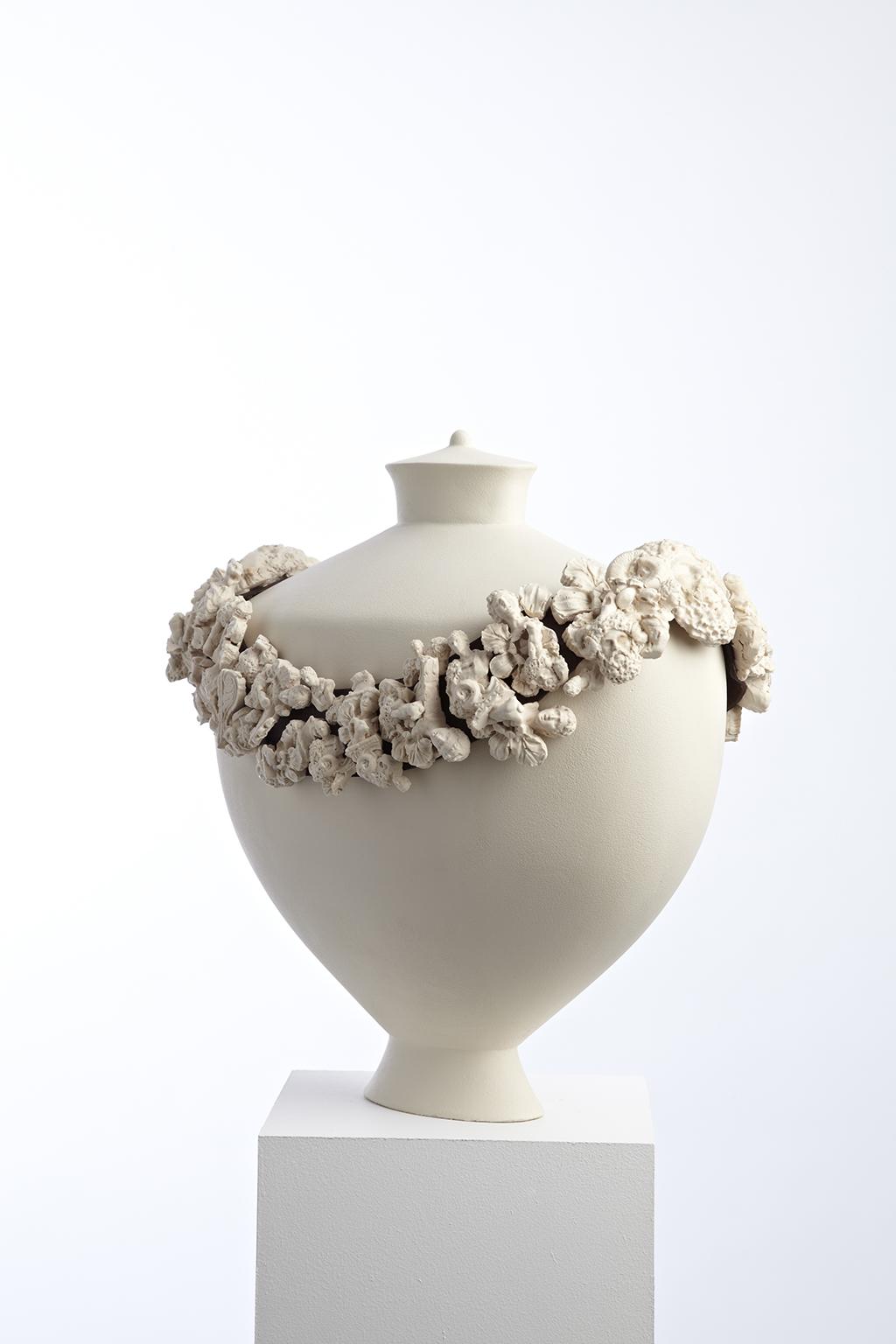 Amphora Garland
