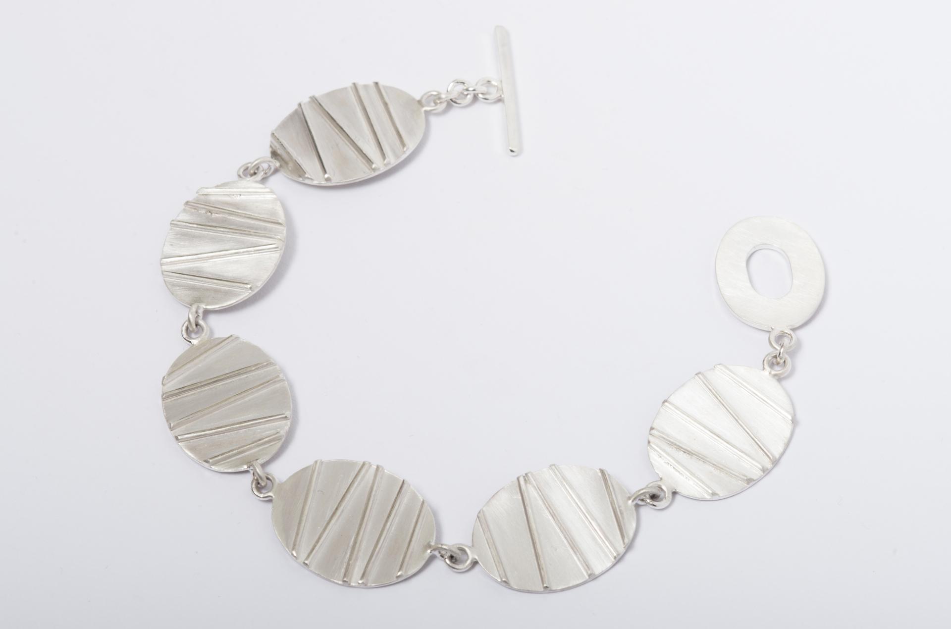 Contrast Bracelet
