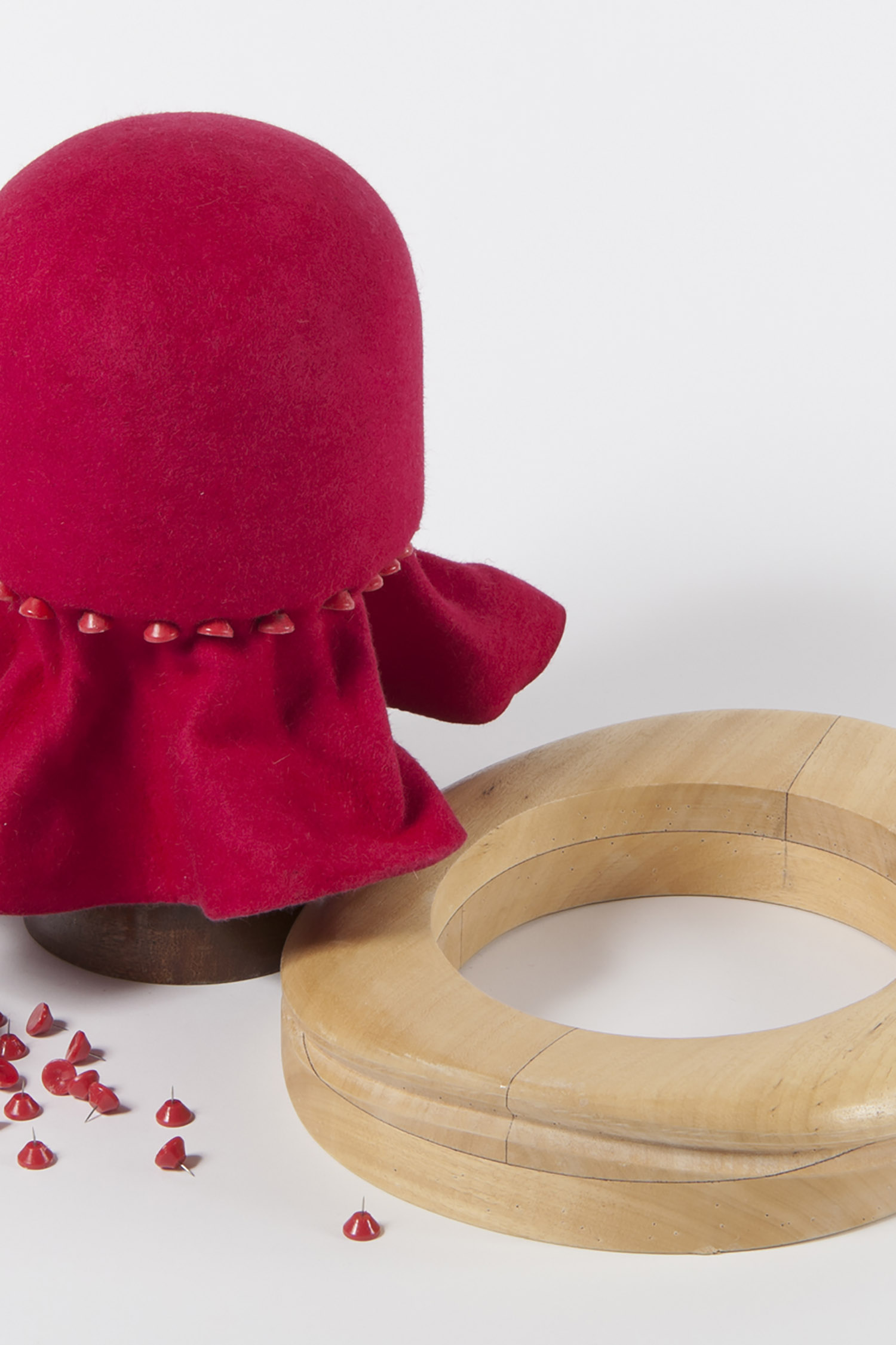 BEGINNER'S MILLINERY - FELT HATS :   2 day course