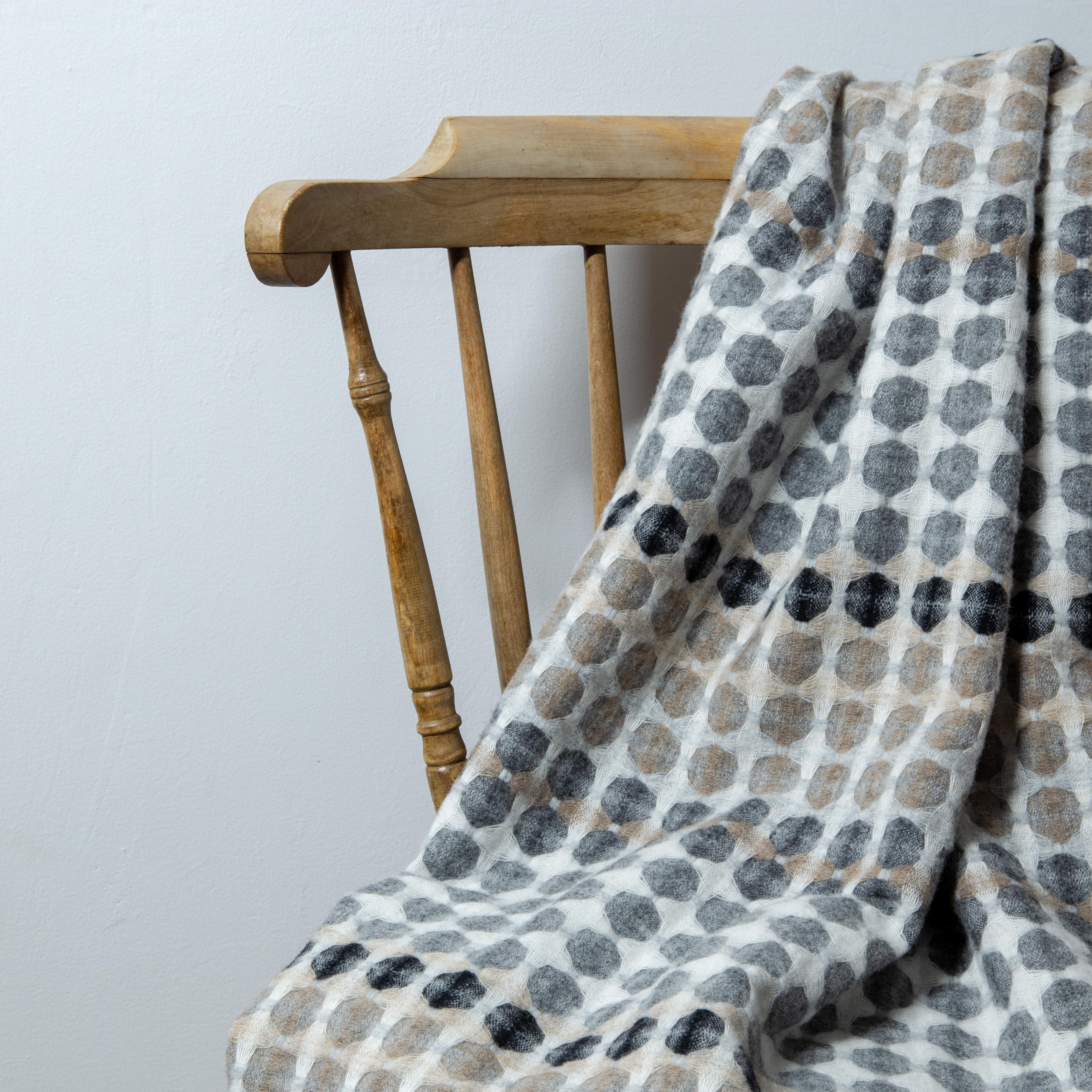 Ord blanket, pebble