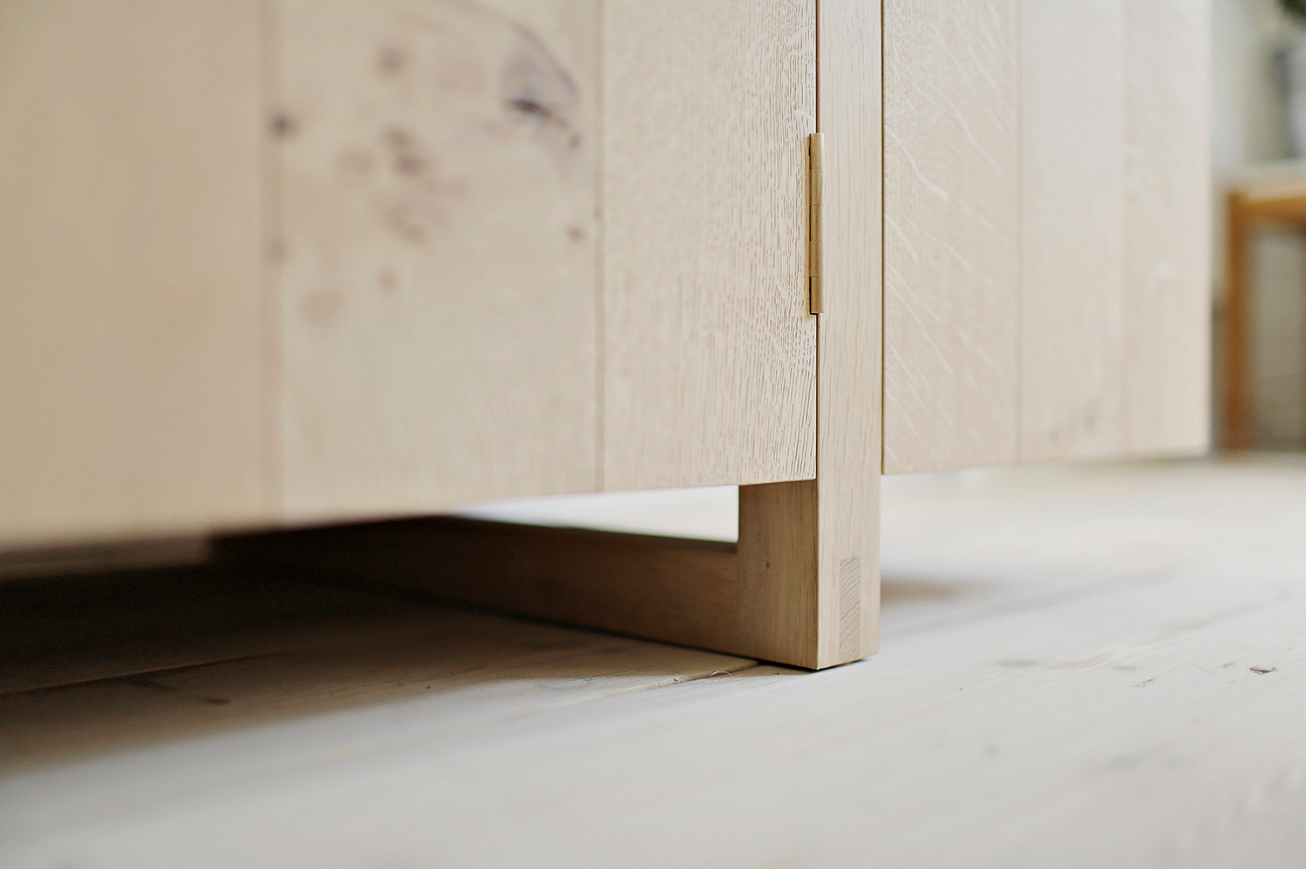 Hillfoot Sideboard (Detail 3)