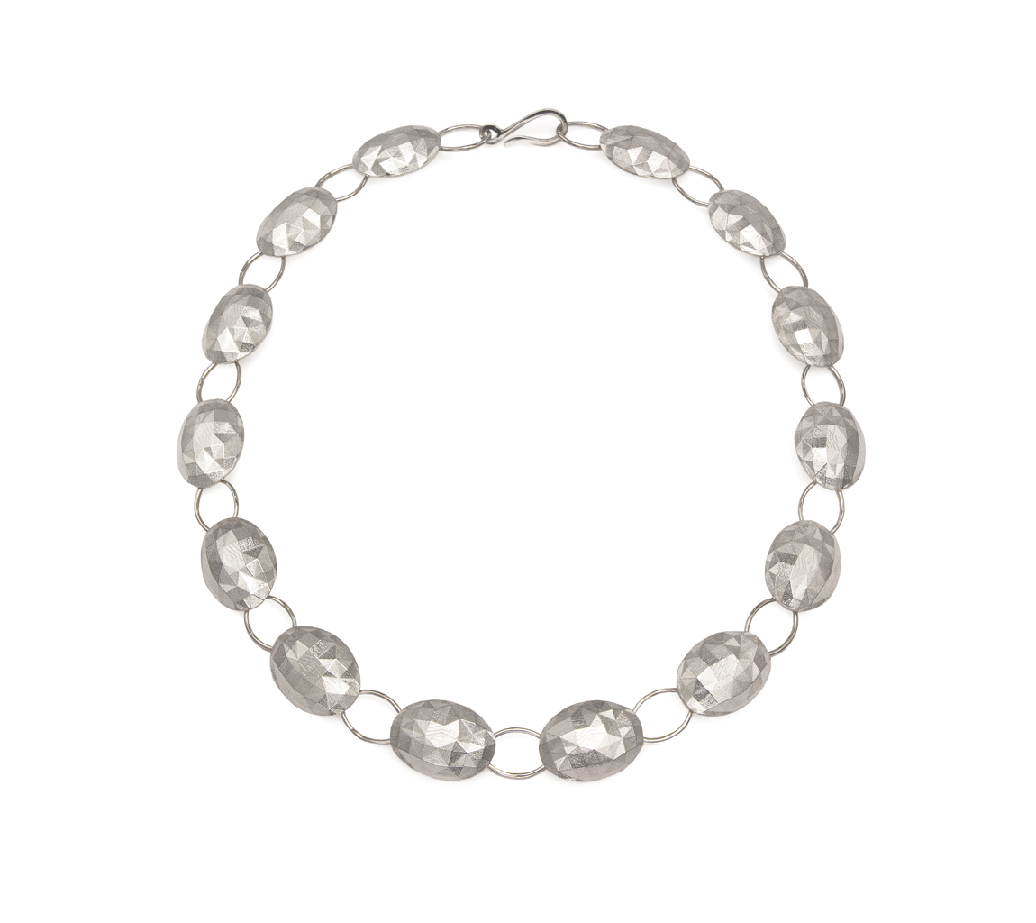Faceted ovals necklace