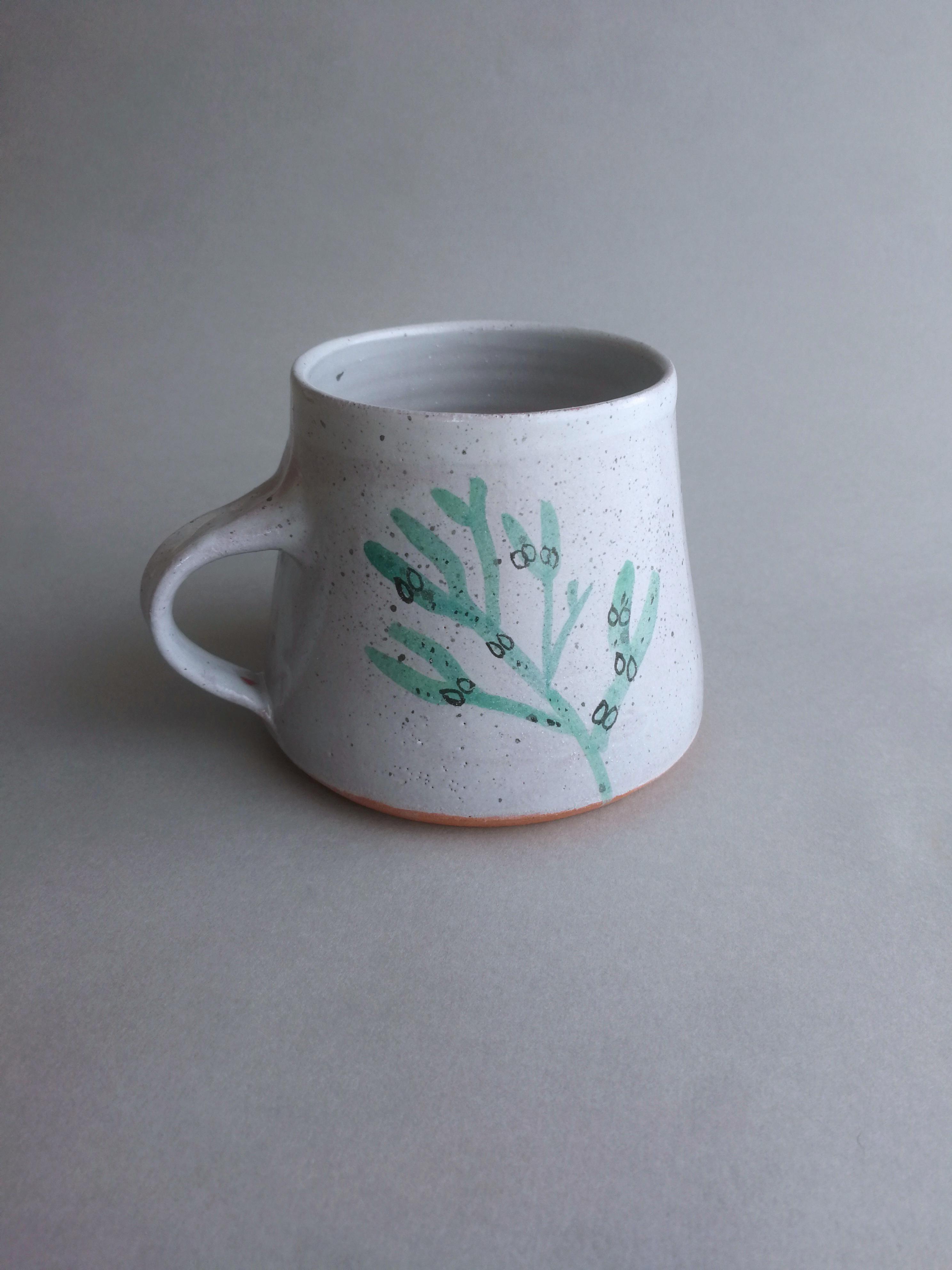 Mug illustrated with sea green bladderwrack