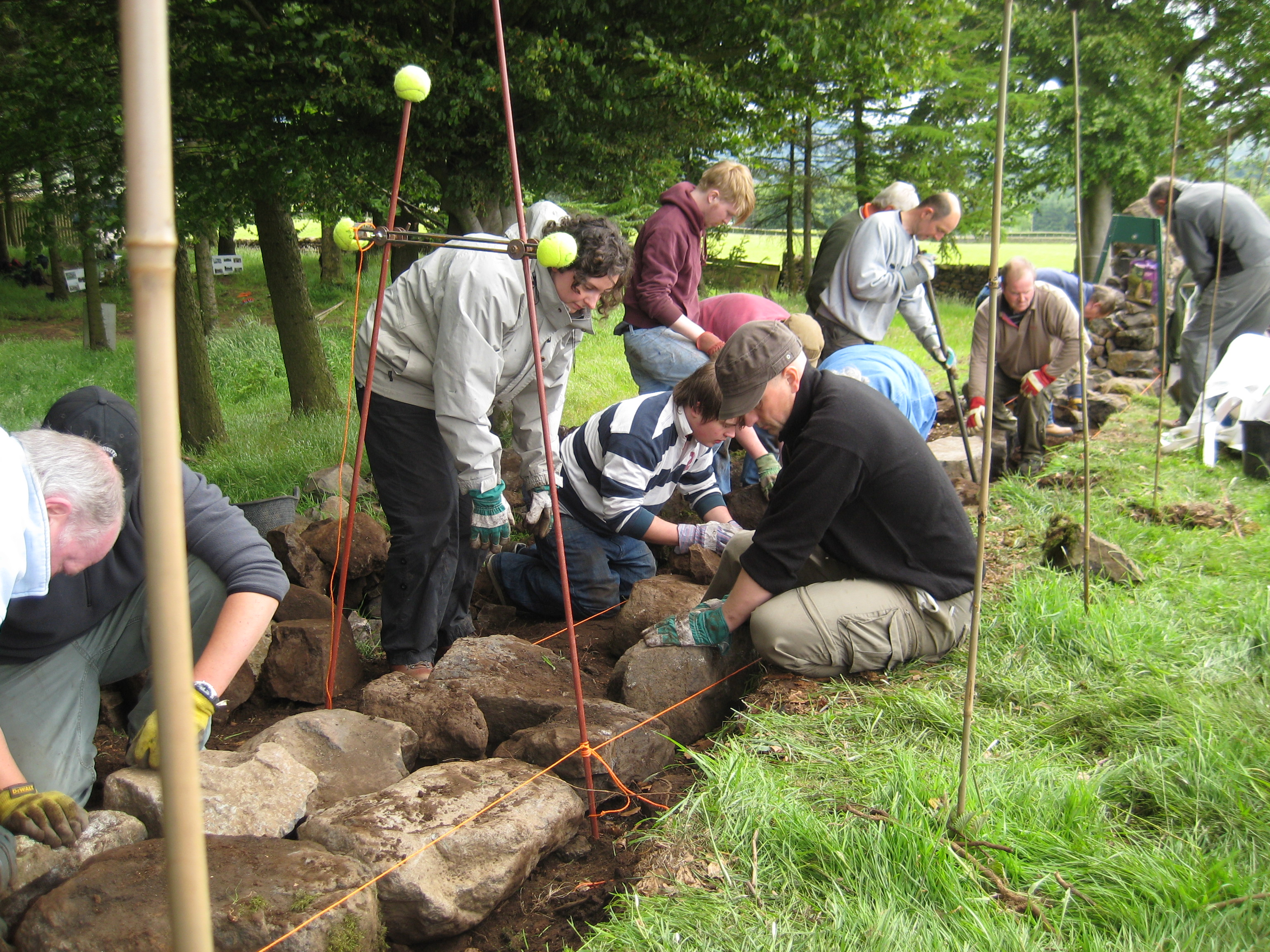 Learn to build/repair a Traditional Dry Stone Wall at Helensburgh