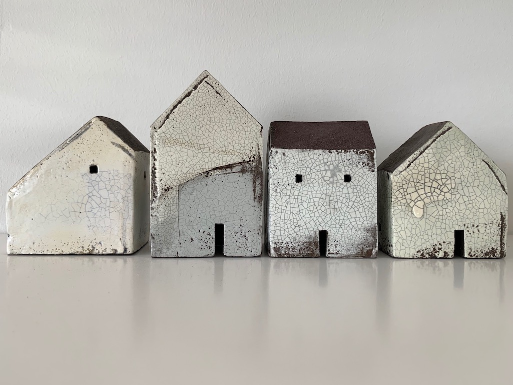 Set of four houses (ref. 7325)