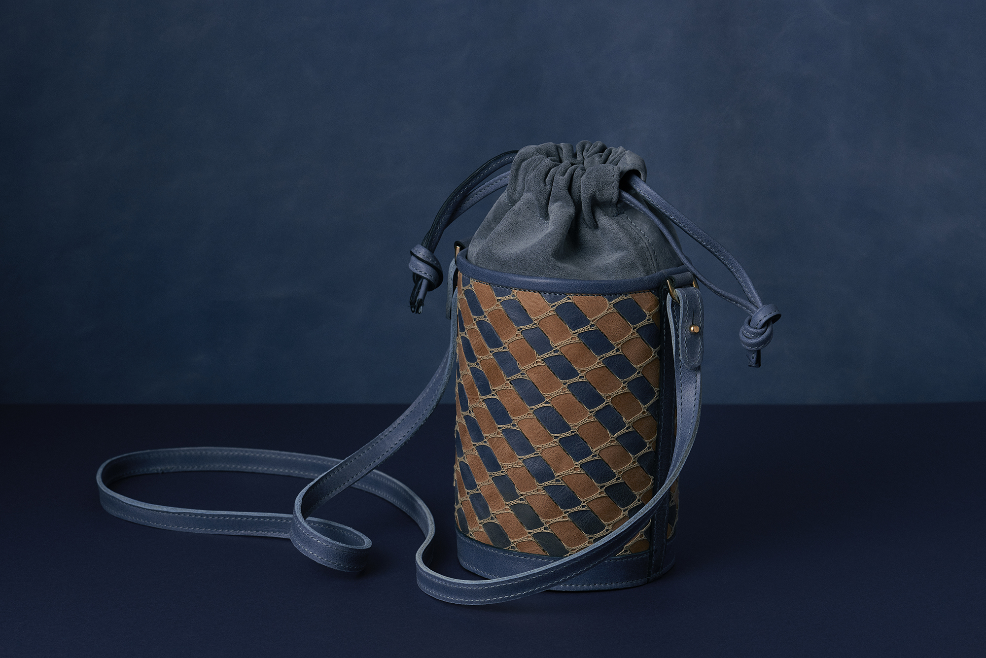 The Barrel Bag in Cobalto Blue and Tortora Taupe