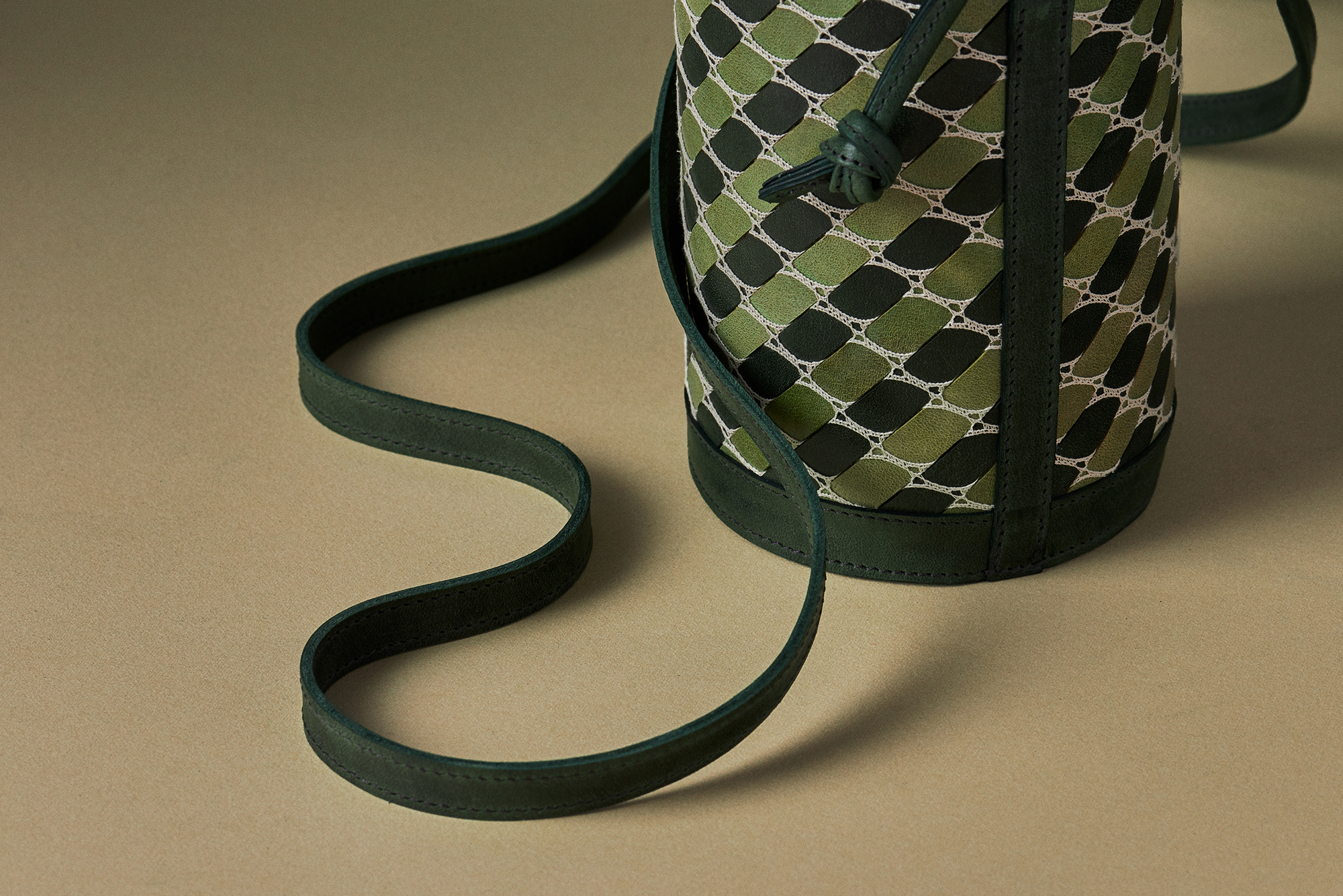 The Barrel Bag in Verde and Lattuga