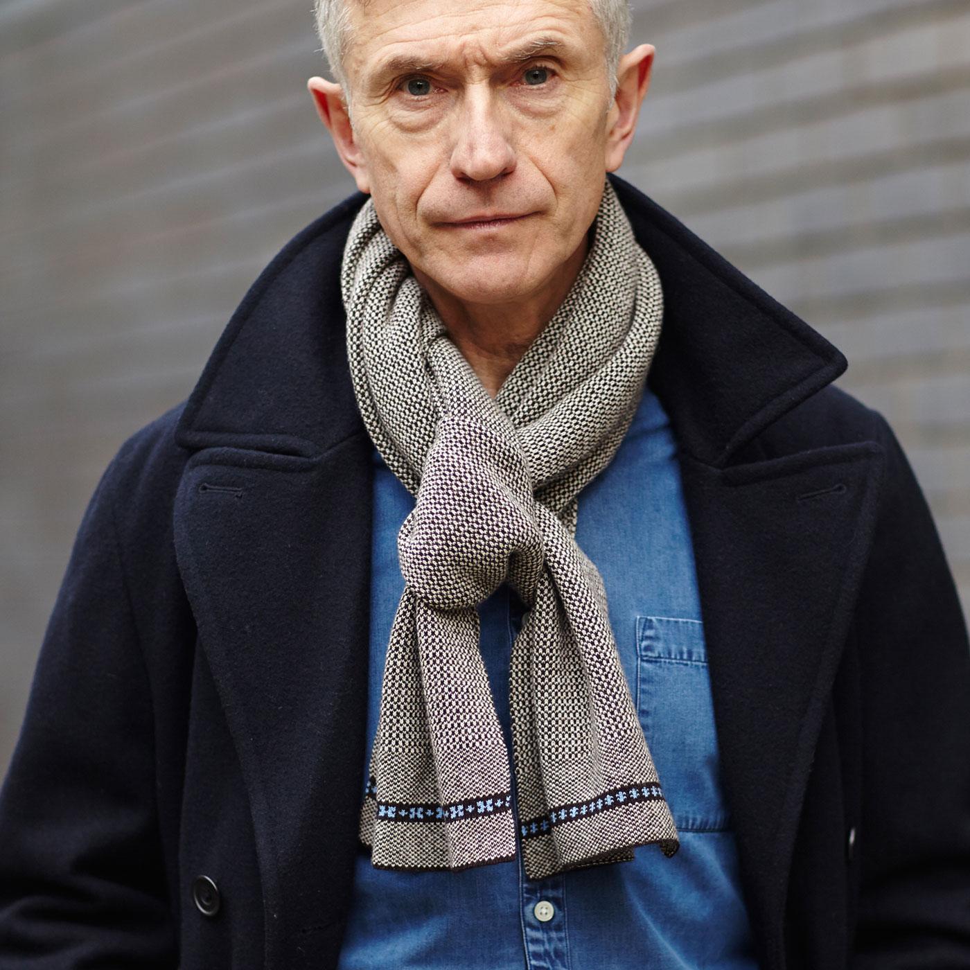 Fern Cross lambswool scarf