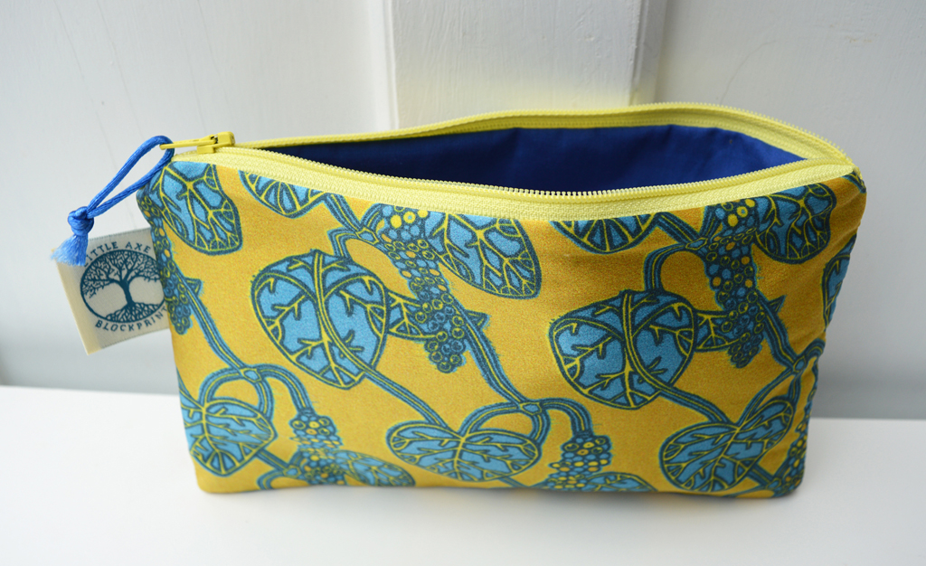 'Pepper Vine Yellow' silk zip bag