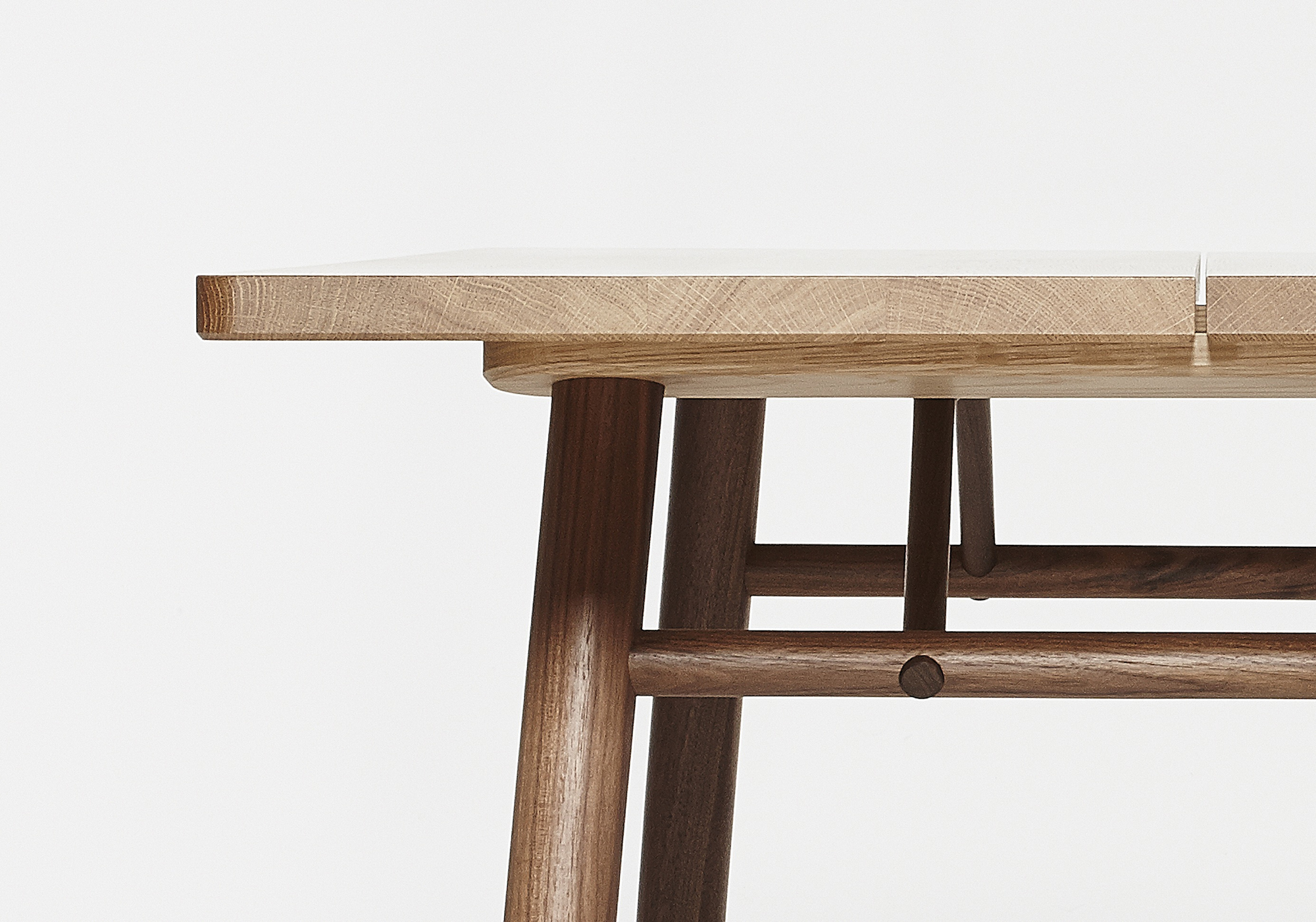Fosse Dining Table