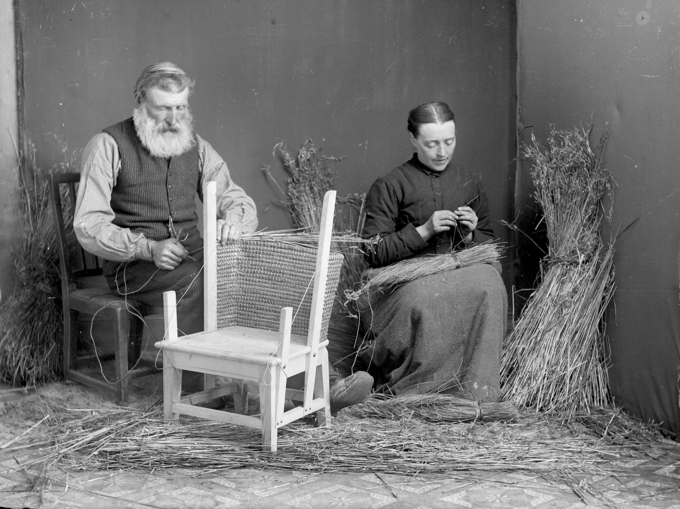 Tom Kent, R. Foubister and  daughter Lizzie making Orkney chair, Nessie, Deerness; OLA.jpg