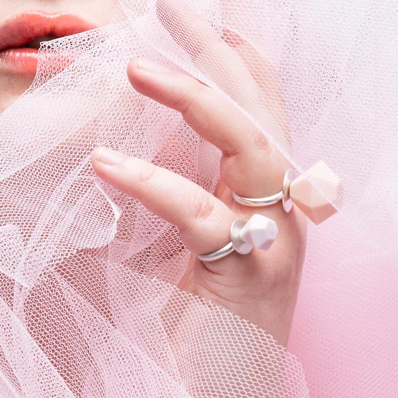 Ring Pops, mini and mega