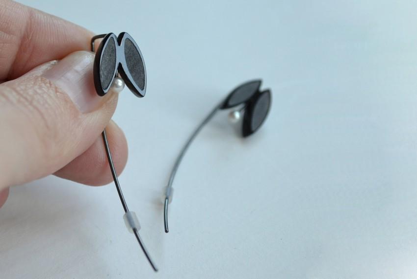 Aubin Stewart Full Bloom Earrings Black