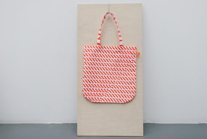 Laura Spring Conceal Tote Bag Pink & Red