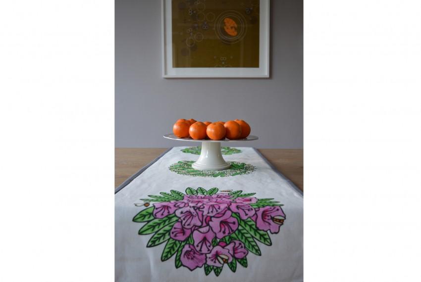 Little Axe Lombardia Textile Table Runner