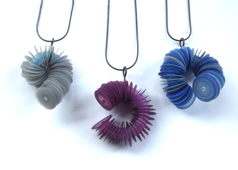 Twist pendants